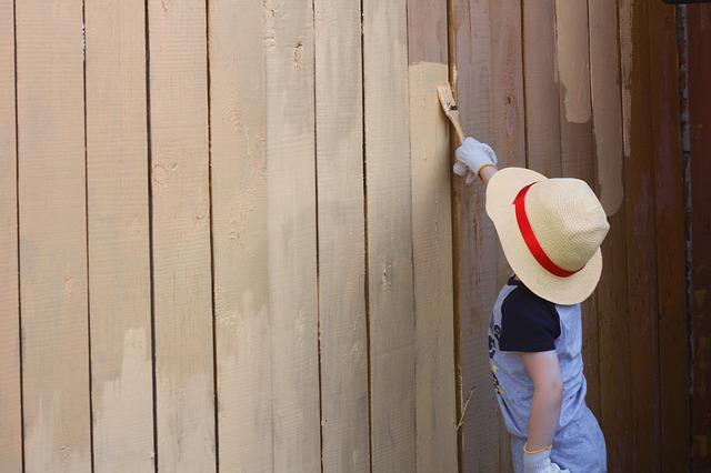 隣との境界に塀を造る際に注意したい法律上の知識
