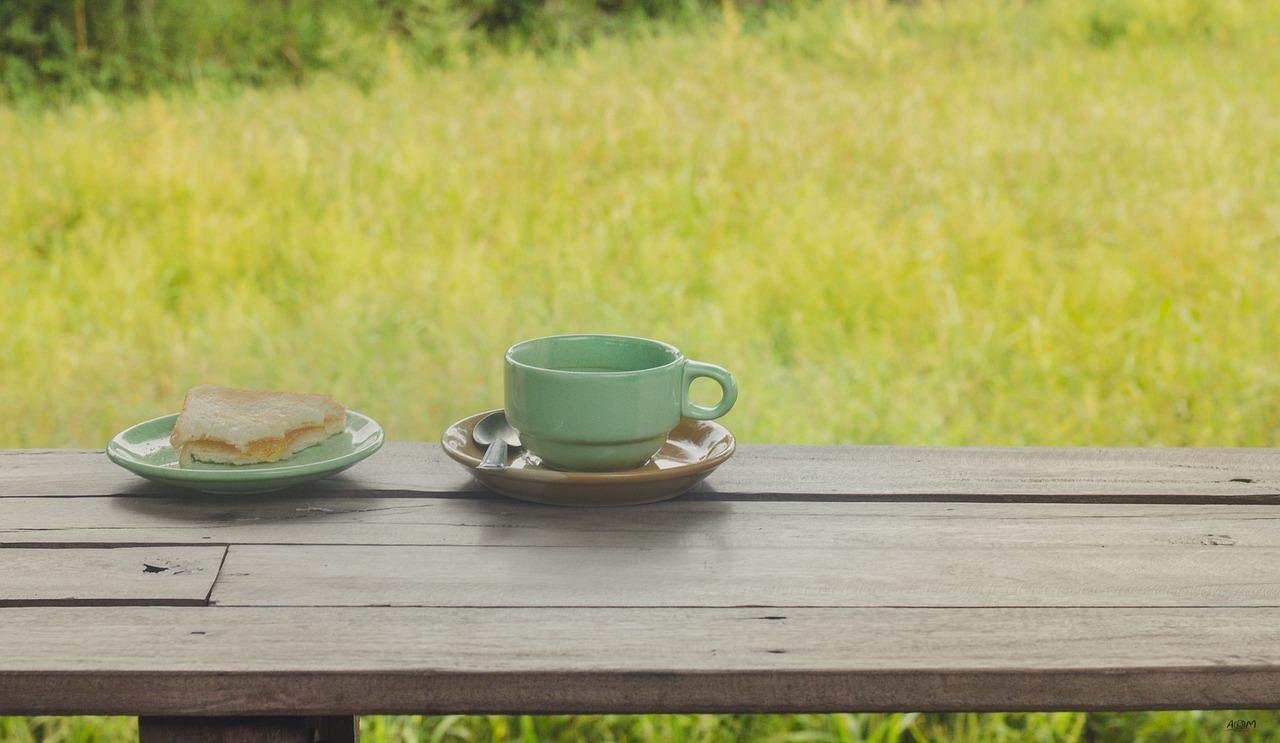 職人さんへお茶やおやつを持っていくのは・・・